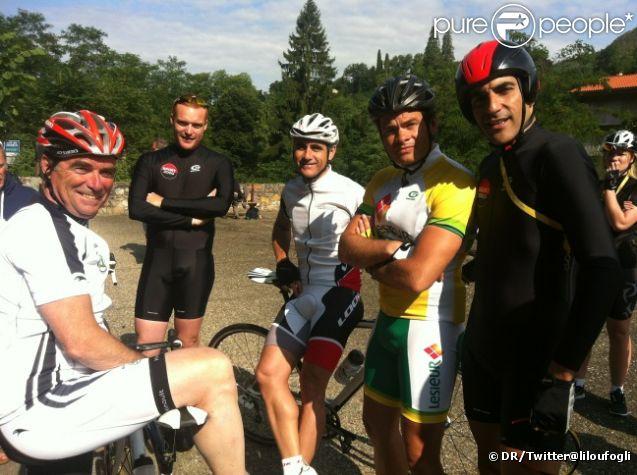 Clovis Cornillac entouré des huiles du Tour de France