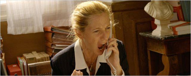 Coup de téléphone de S. Kiberlain à son agent après le visionnage du film monté
